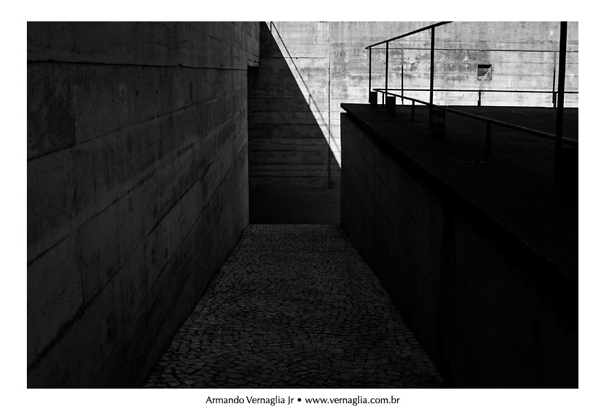 Black and White Architectural Photography (2/6)